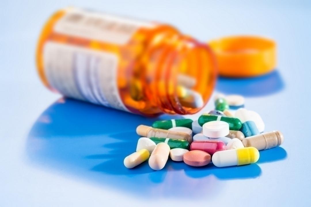 آیا مصرف کردن بعضی داروها در دوران نقاهت بعد از عمل جراحی بای پس معده ممکن است، خطری برای بیمار داشته باشد؟