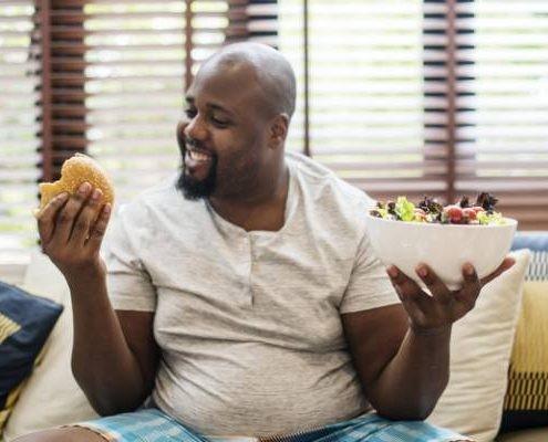 آیا همه ی افراد فقط با پرخوری چاق می شوند؟