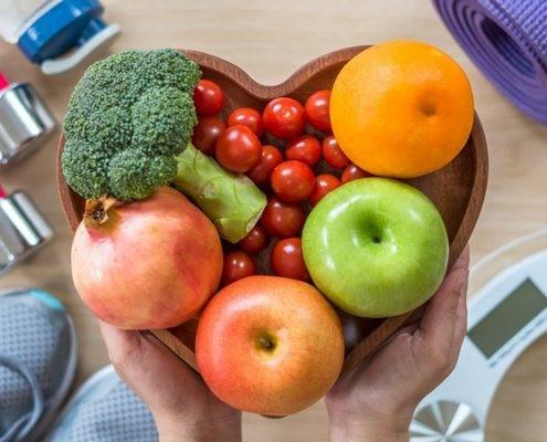 آیا مصرف مولتی ویتامین ها بر میزان تغذیه بعد از عمل اسلیو بیمار موثر است؟