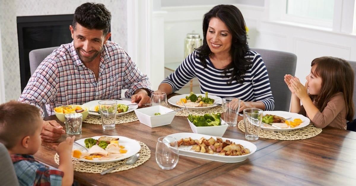 تغذیه در پسران چهار تا هشت سال
