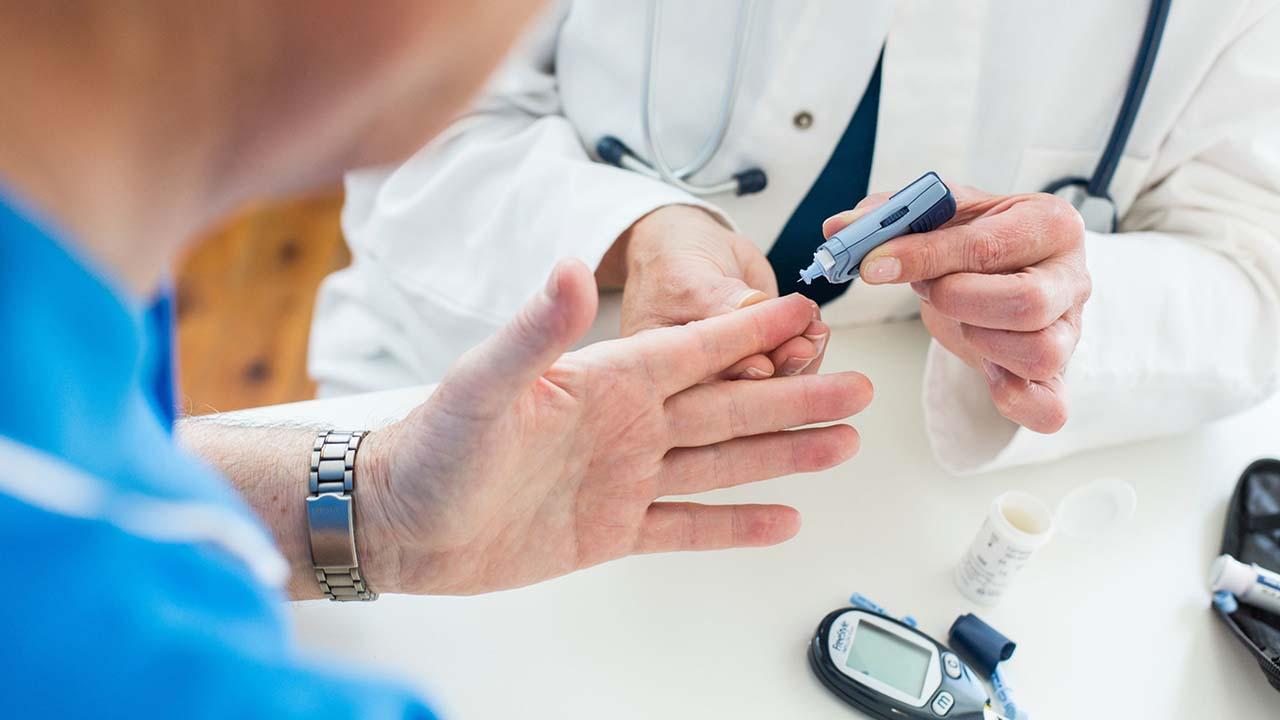 معنی blood sugar در آزمایش خون