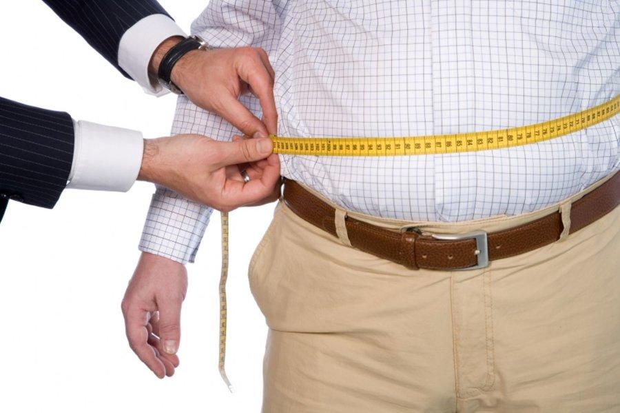 پزشک جراح حدود 70 درصد از حجم معده را جدا می کند
