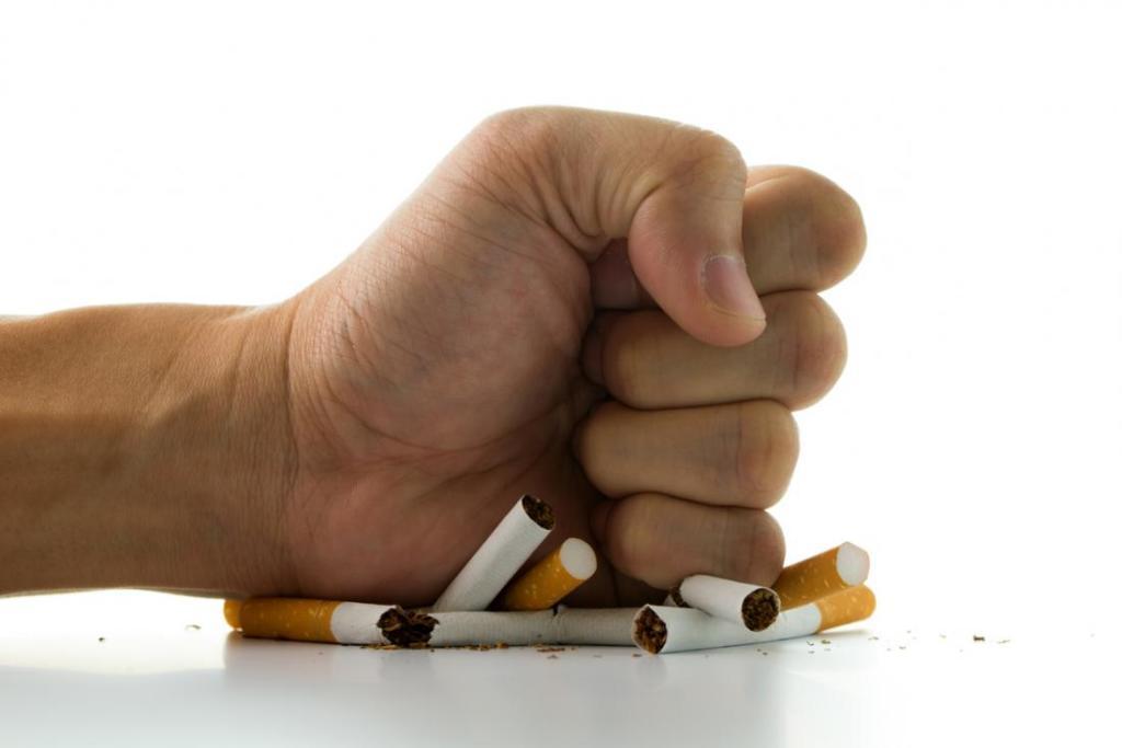 کنار گذاشتن دخانیات