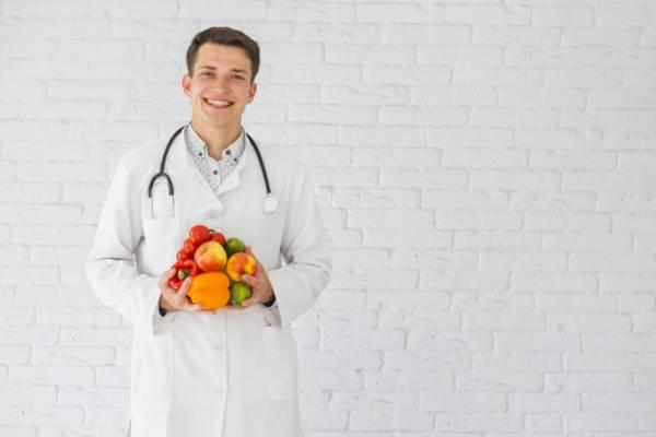 یکی از مراقبت های بعد از عمل اسلیو معده، رژیم غذایی است