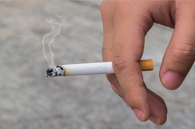 مصرف سیگار و سایر دخانیات را کاهش دهید.