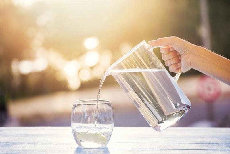 کنترل روزانه آب و غذا