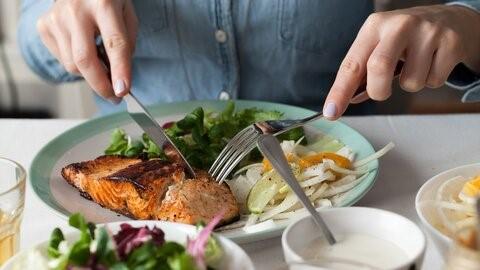 از جمله غذاهای جامد که بعد از عمل لاپاراسکوپی معده می توان مصرف نمود: