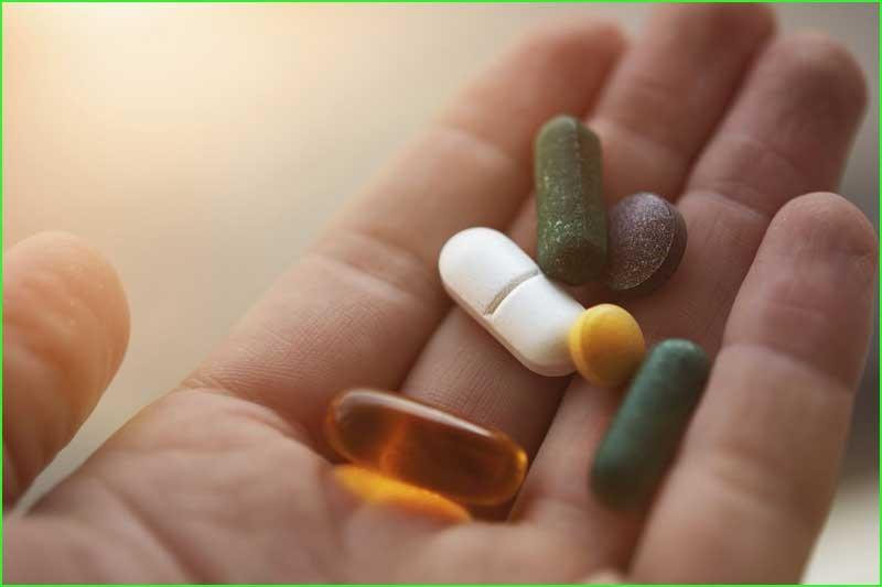 در برخی بیماران، مصرف نیلفورمین ممکن است عوارض جانبی شدیدی ایجاد کند.